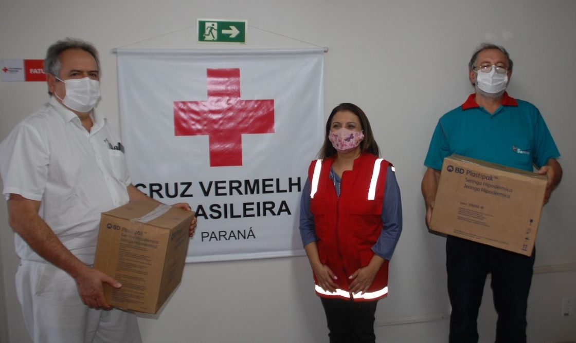 Hospital Cruz Vermelha de Castro recebe duas mil seringas em ação social