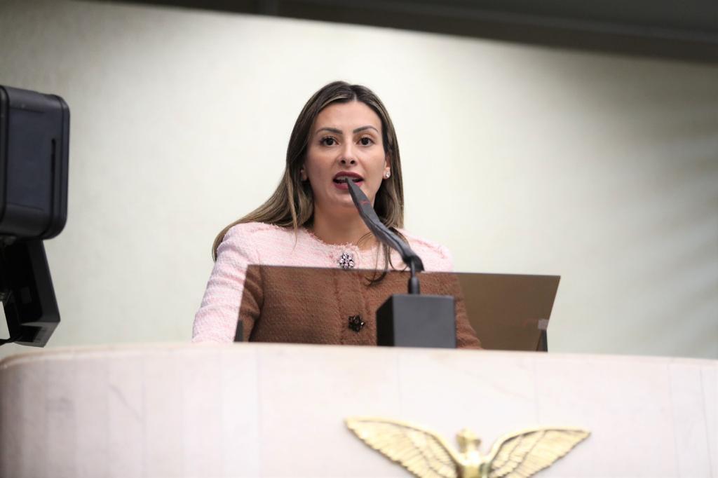 Mabel Canto quer priorização de vacinação de lactantes no Paraná