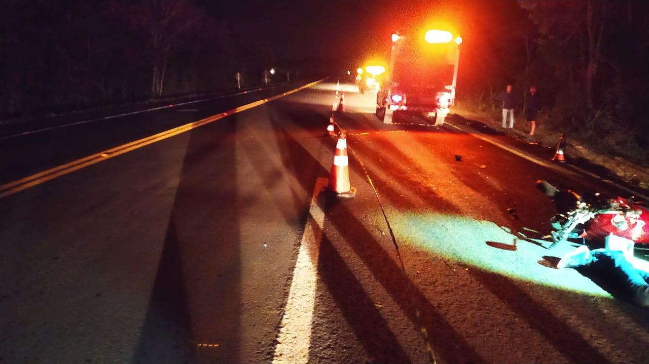 Motociclista colide e morre na BR-373
