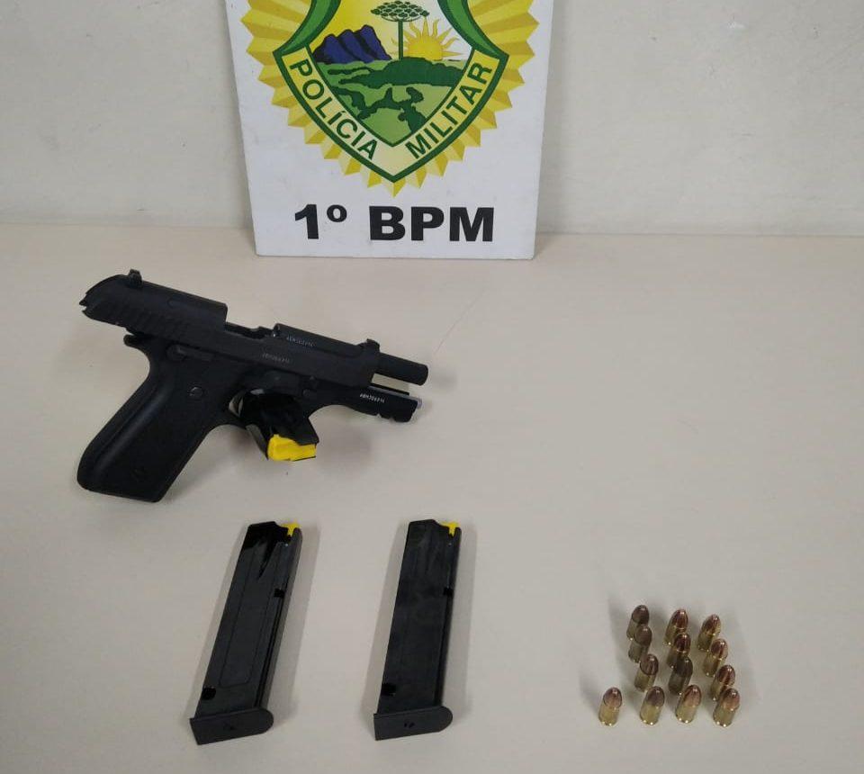 PM apreende pistola e 13 munições