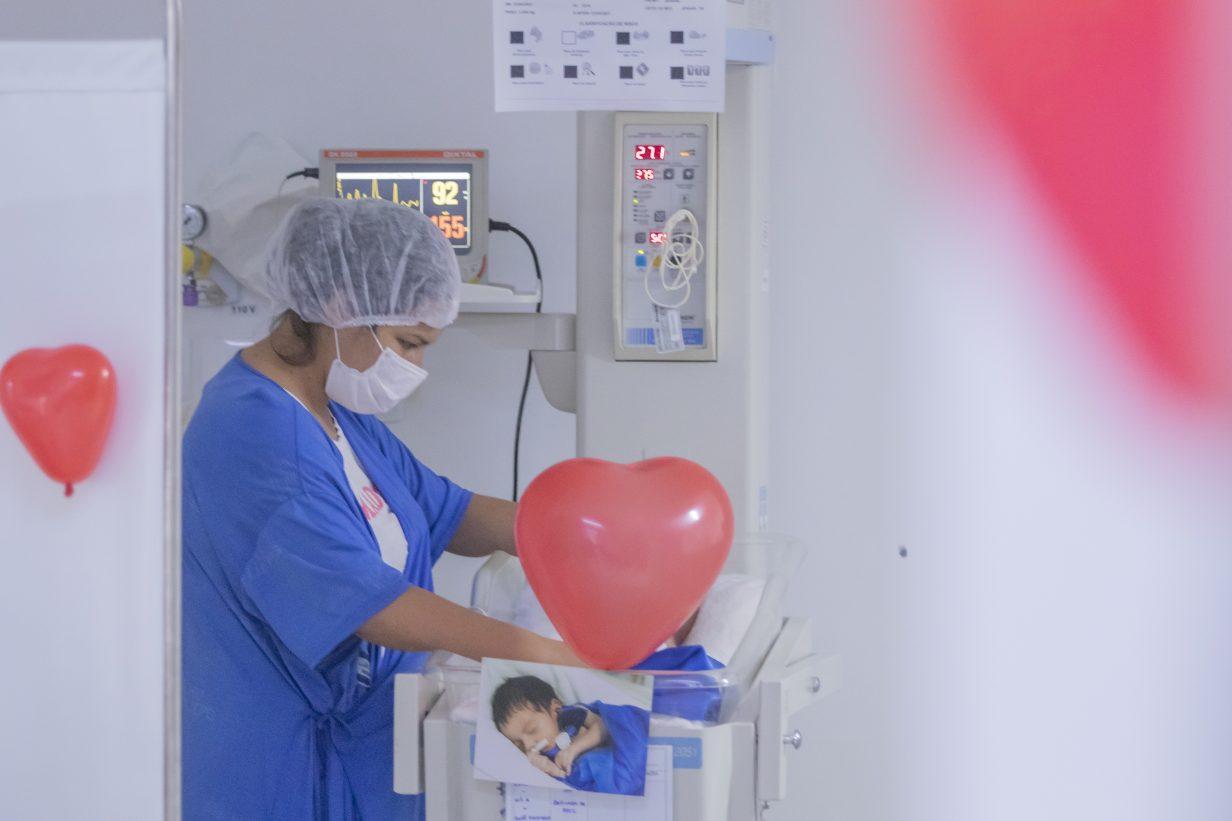 Mães recebem mimos no Hospital Universitário Materno-Infantil