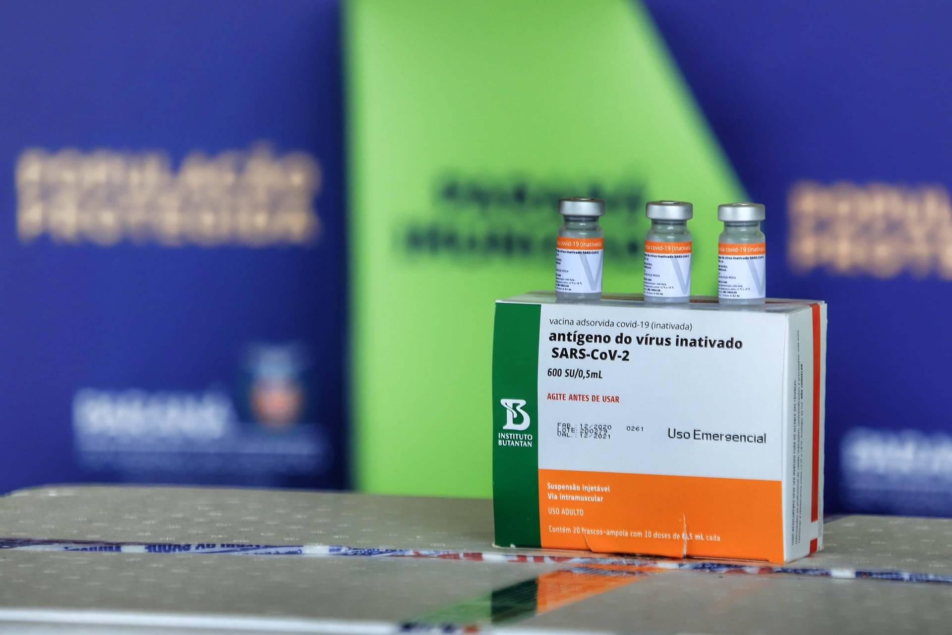 Paraná recebe 14.600 doses da Coronavac/Butantan