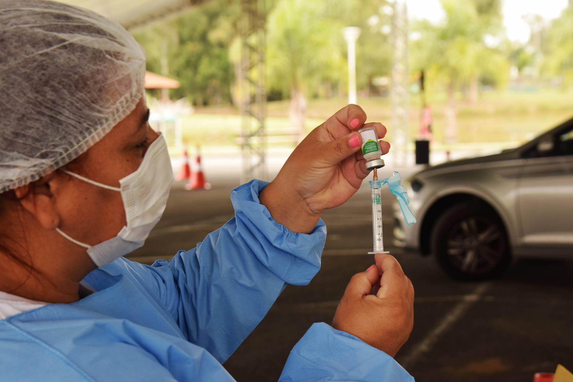 Paraná inicia vacinação contra a gripe em idosos e professores