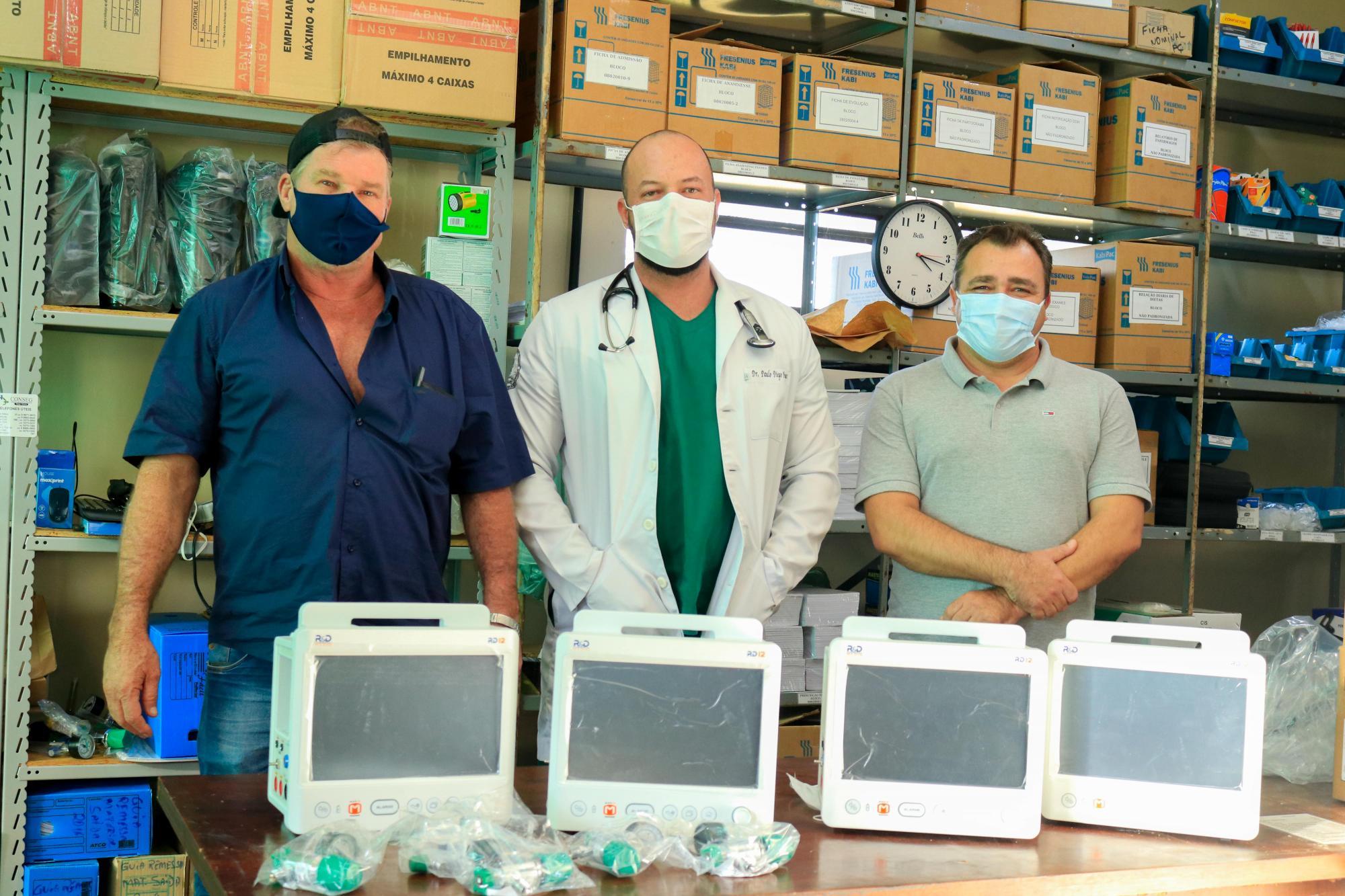 Prefeitura de Tibagi entrega quatro monitores multiparâmetros para o Hospital de Tibagi