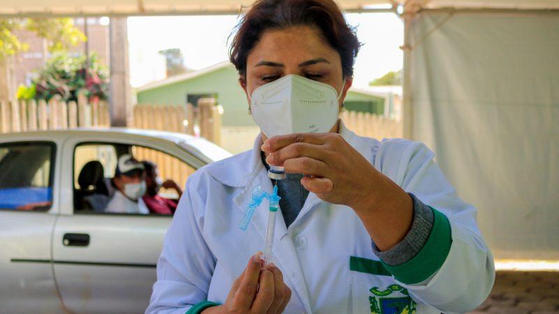 """Saúde realiza """"última chamada"""" para vacinar pessoas com comorbidades em Tibagi contra a Covid-19"""