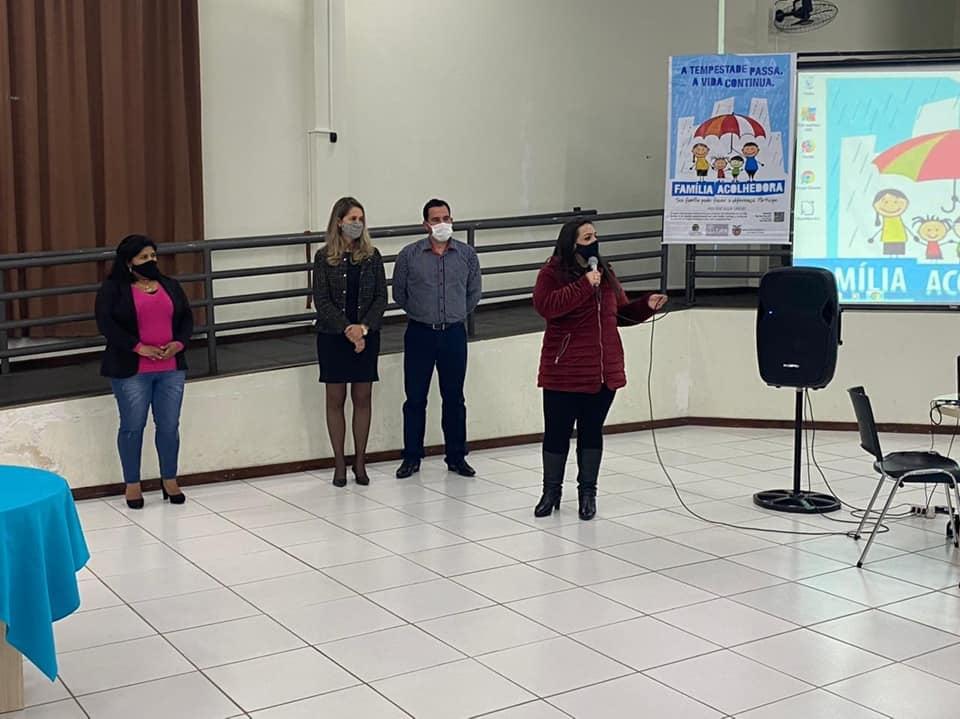 Progrma Família Acolhedora realiza capacitação em Carambeí