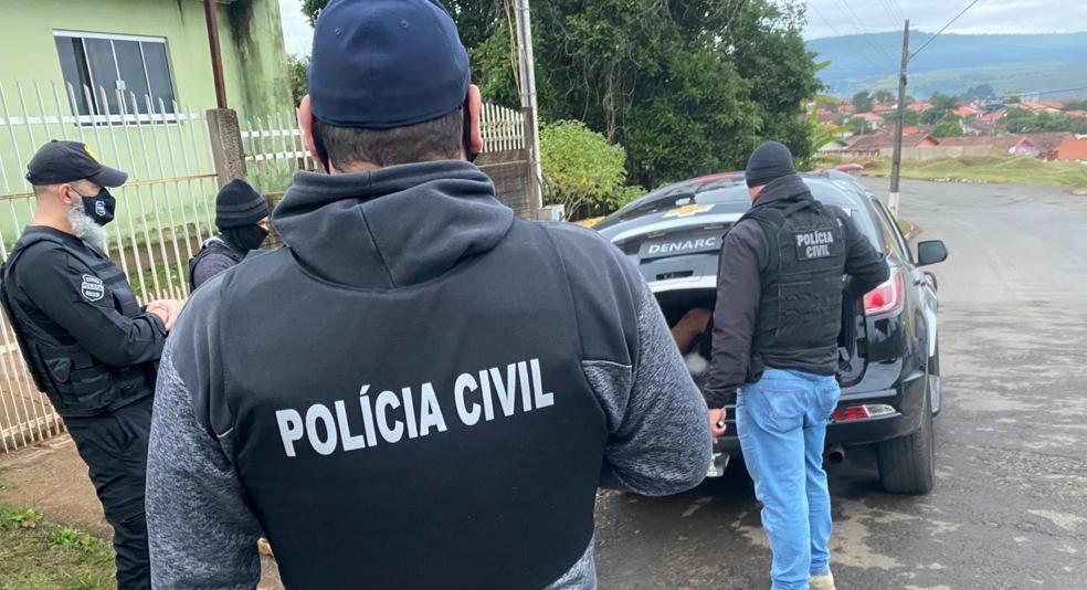 Operação da Polícia Civil de combate ao tráfico de drogas prende 12 pessoas