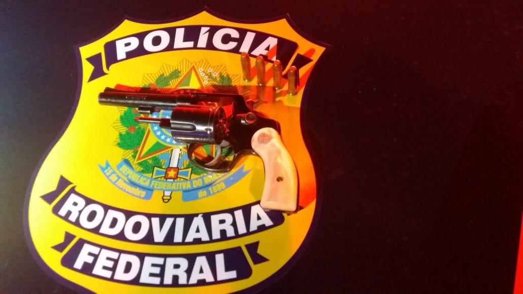 PRF prende dois indivíduos por porte ilegal de arma de fogo