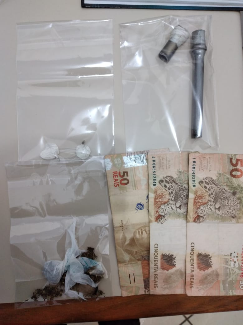 Dois são presos por tráfico de drogas em Palmeira
