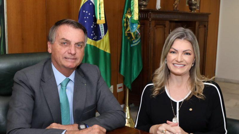 Bolsonaro pode vir a Castro em agosto a convite da deputada federal Aline Sleutjes