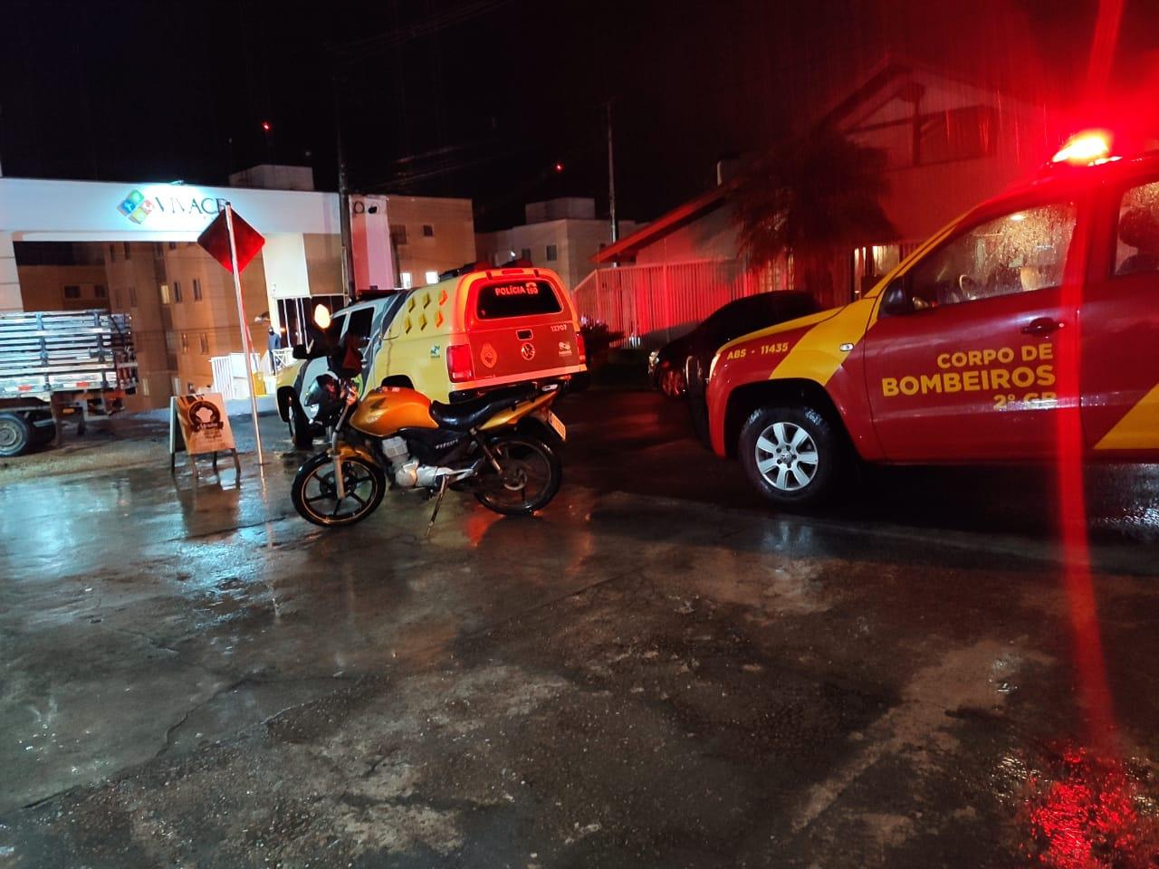 Motociclista fica ferido em colisão no Jardim dos Bancários