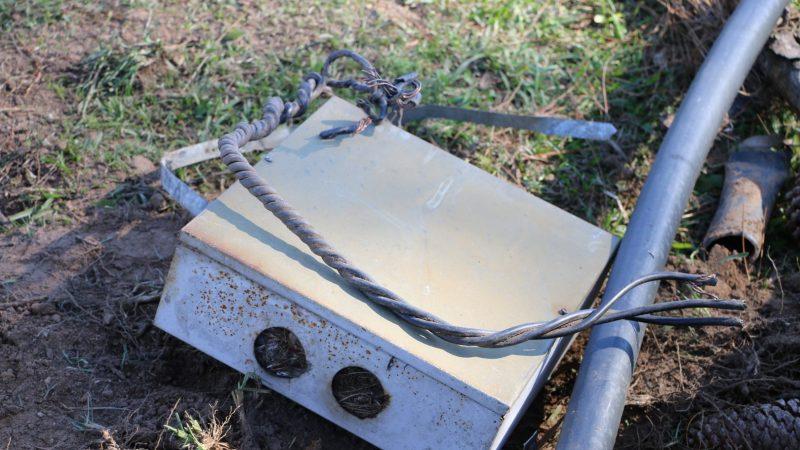 Guarda Municipal de Castro flagra furto de fios elétricos