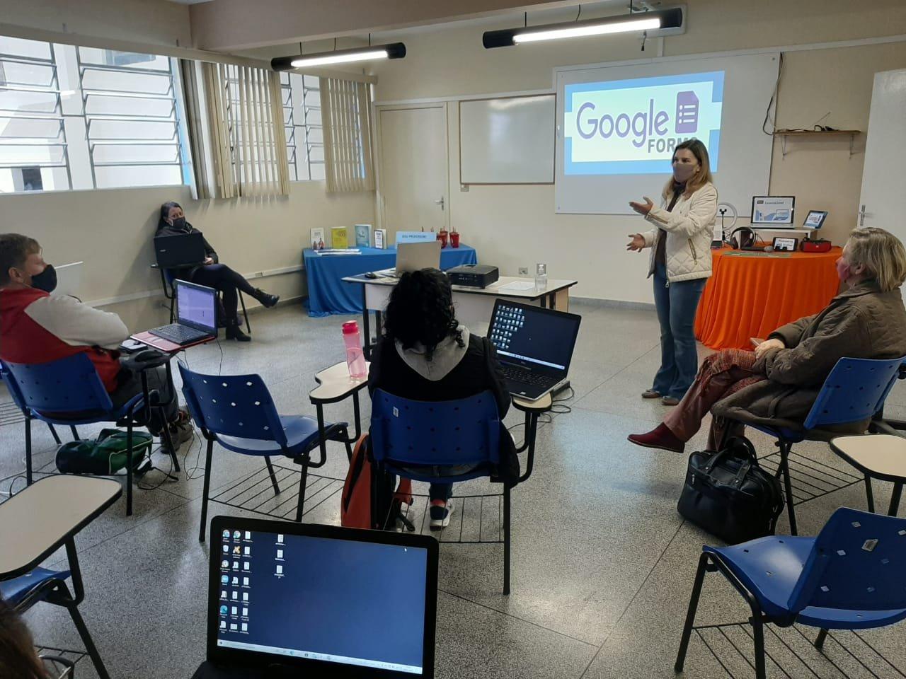 Professores na formação do uso da tecnologia nas aulas