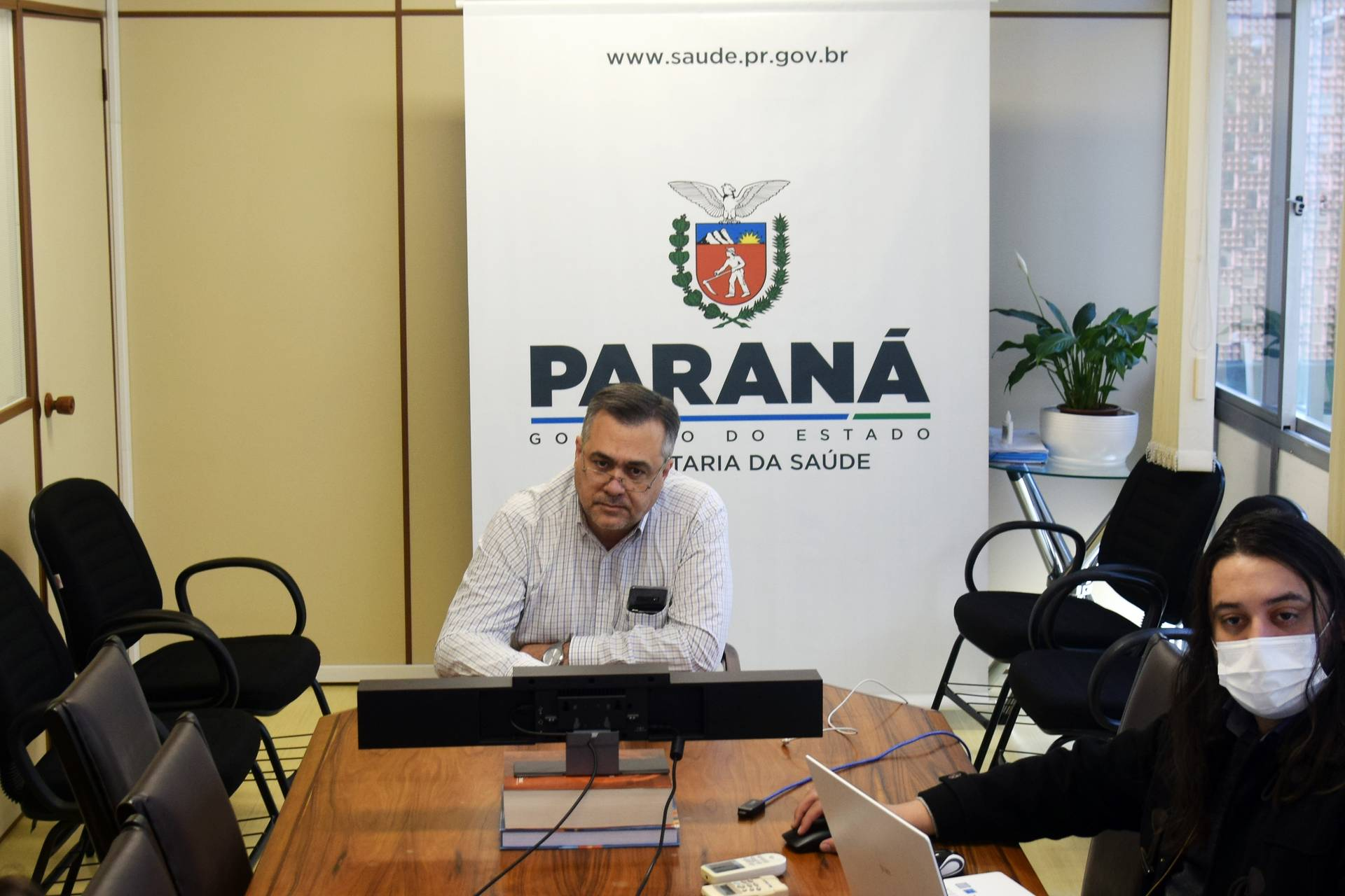 Paraná apresenta a nova metodologia de distribuição de vacinas aos municípios