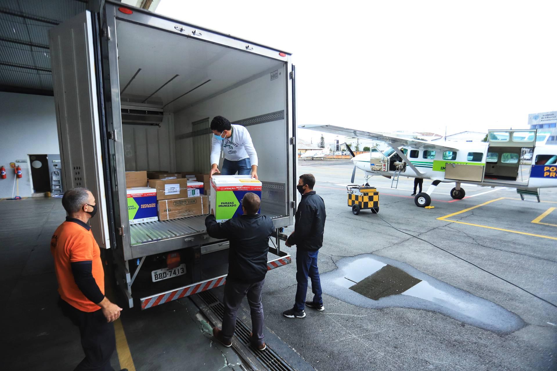 Paraná distribui mais 360.250 doses de vacina contra a Covid-19