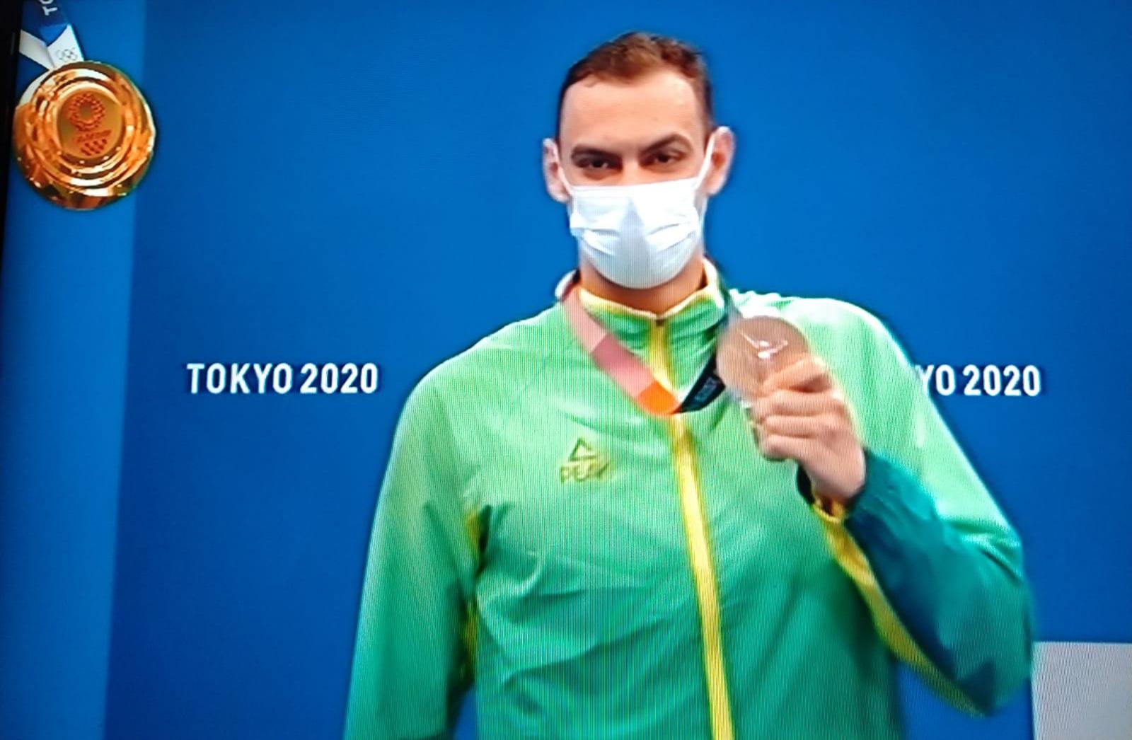 Olimpíada de Tóquio: Fernando Scheffer é bronze nos 200m livres da natação