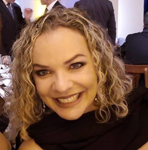 Ana Paula Cunha Carvalho