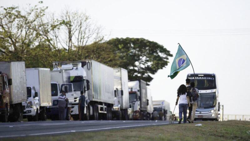 Greve de caminhoneiros não ganhou força na região