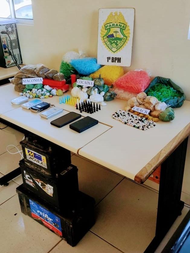 PM desmonta dois pontos de tráfico de drogas em Ponta Grossa