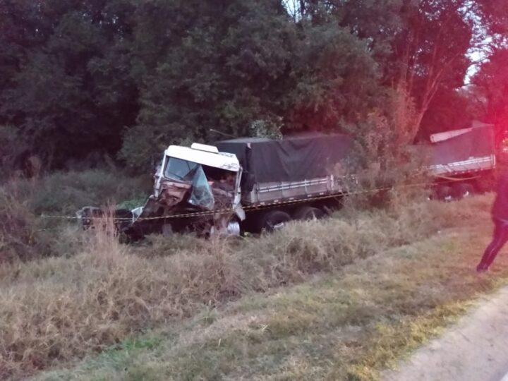 Caminhoneiro morre em colisão na PR-151