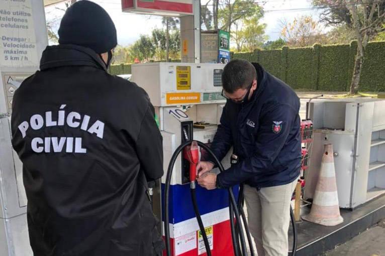 Força-tarefa fiscaliza 300 postos de combustíveis no PR; 181 tinham irregularidades