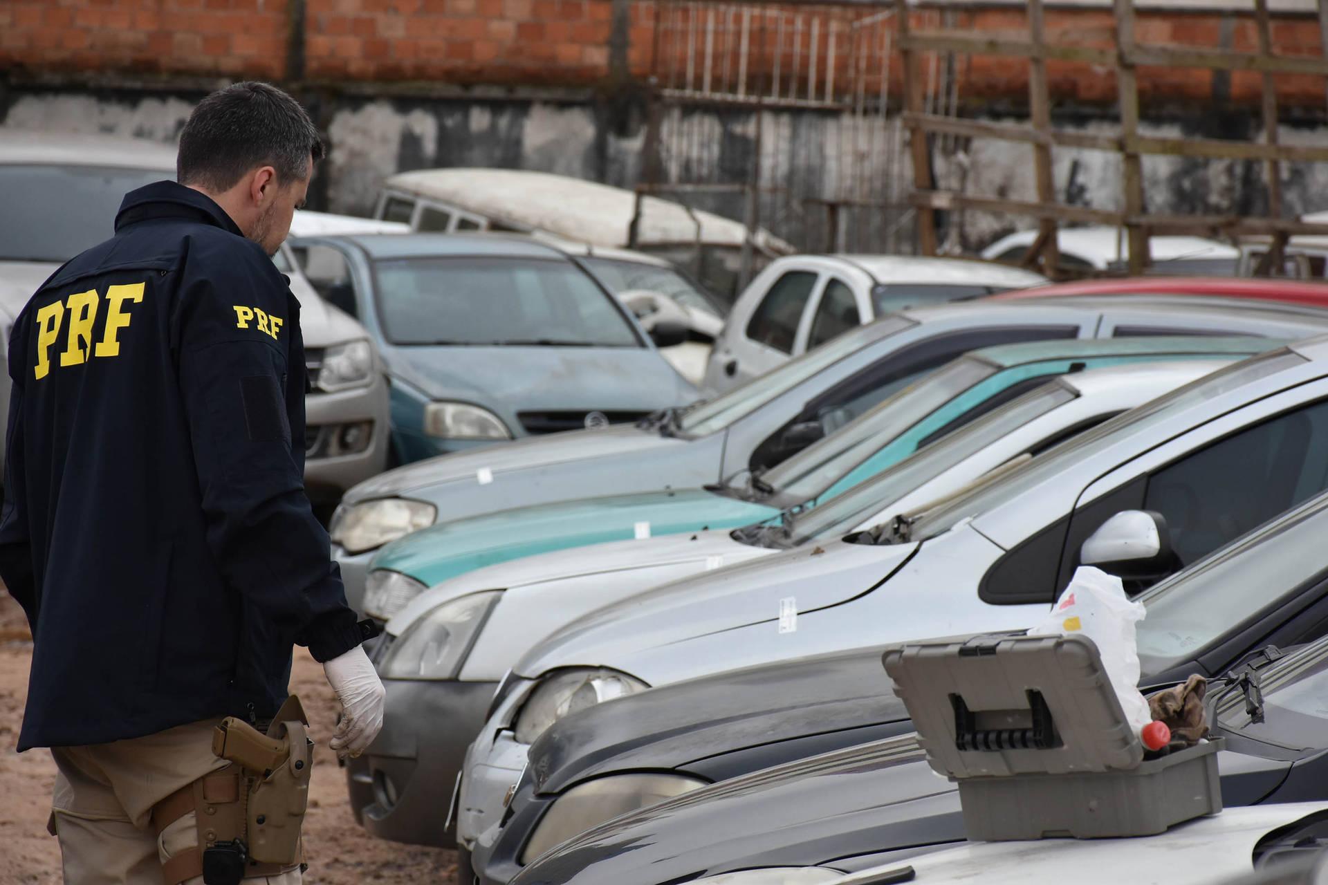 Em operação conjunta, PRF identifica veículos roubados ou furtados em pátios do Detran