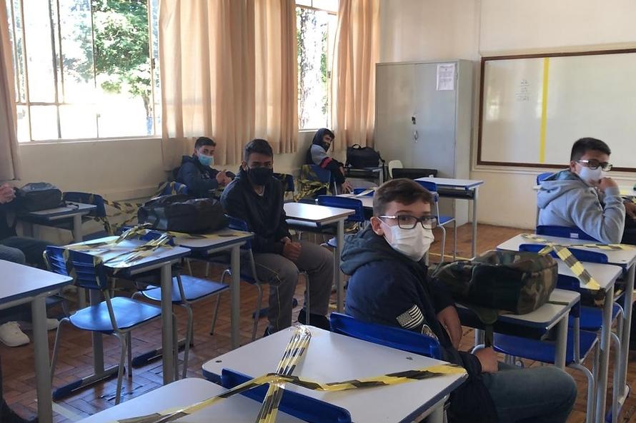 Mais de 90% das escolas estaduais retomaram aulas presenciais nesta quarta-feira