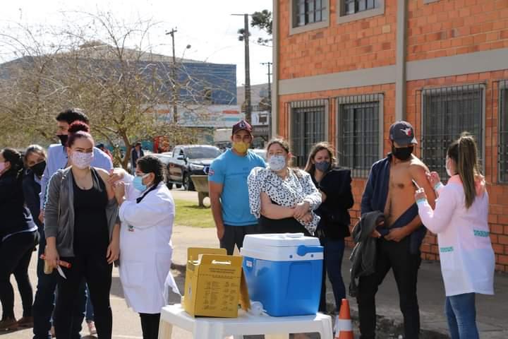 1.719 pessoas entre 28 e 29 anos receberam a vacina contra a Covid-19