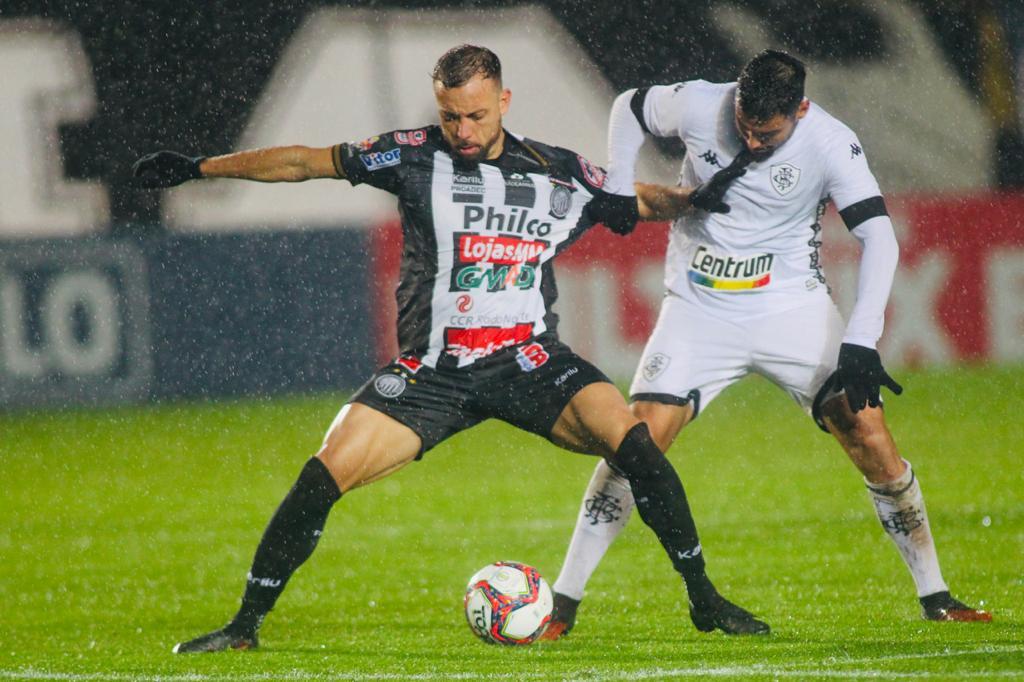Fantasma vence o Botafogo no Germano Kruger