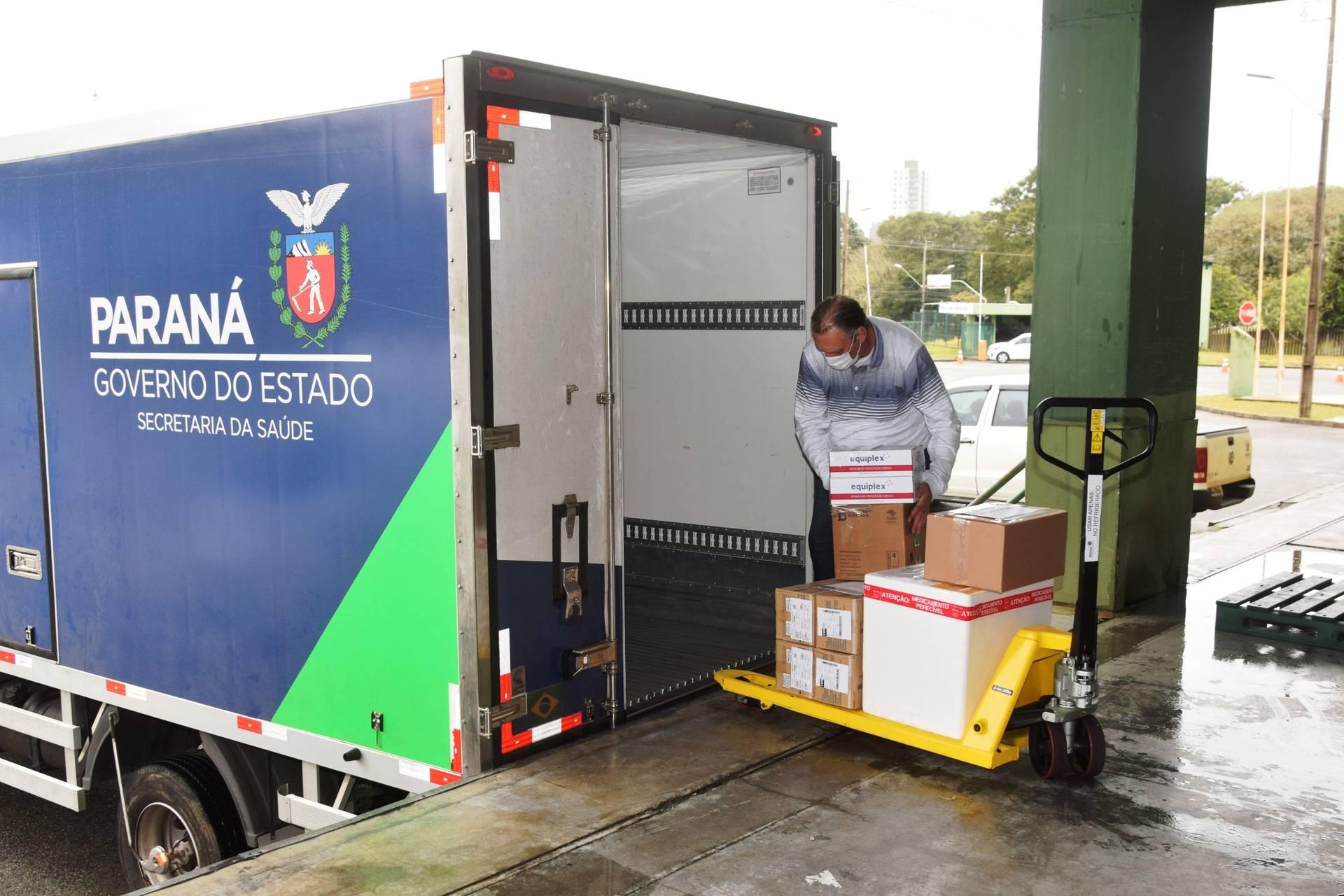 Paraná iniciou distribuição de mais 131,9 mil vacinas contra a Covid-19; veja divisão