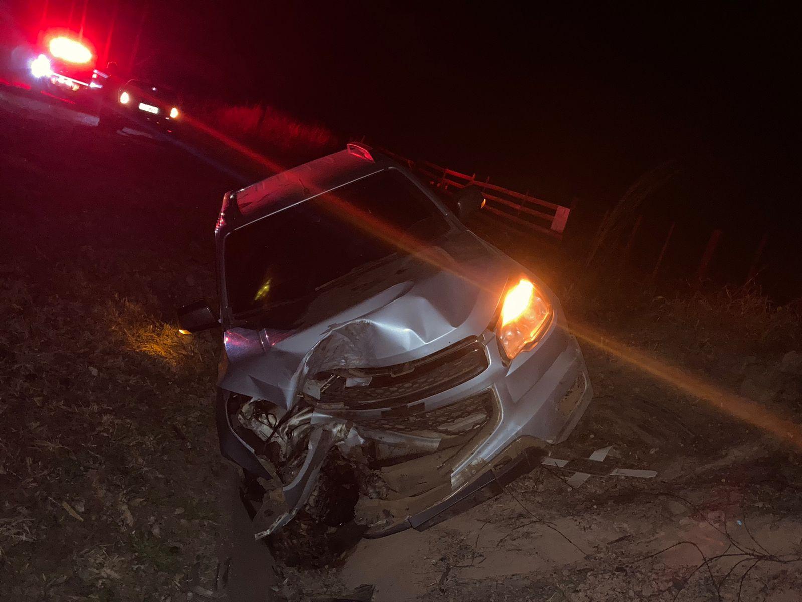 Motorista de S10 fica ferido em acidente na PR-340