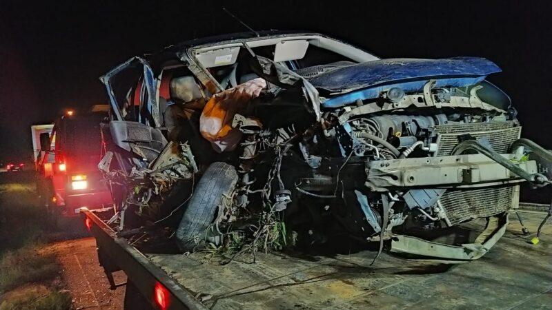 Três pessoas ficam feridas em acidente na BR-153