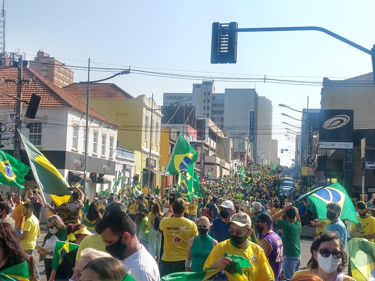 7 de Setembro: Onda amarela e verde desce a Vicente Machado em apoio a Bolsonaro