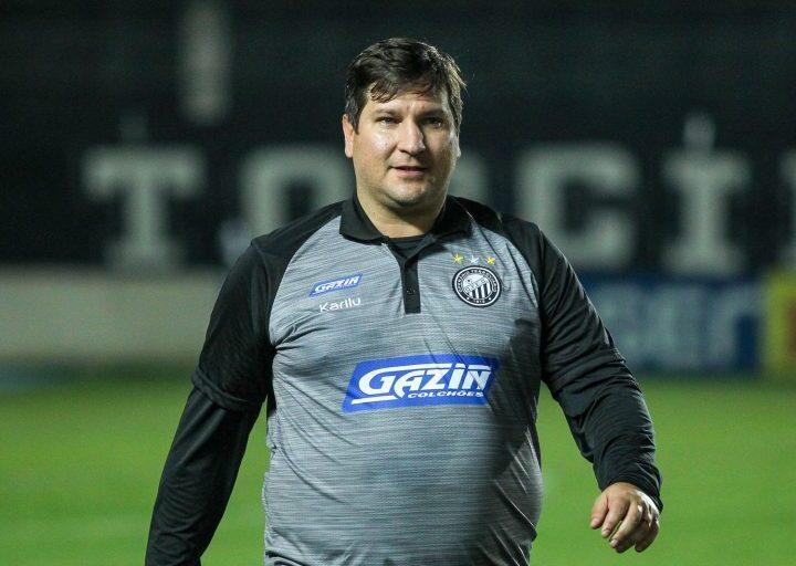 Matheus Costa torna-se o técnico mais longevo do Campeonato Brasileiro da Série B