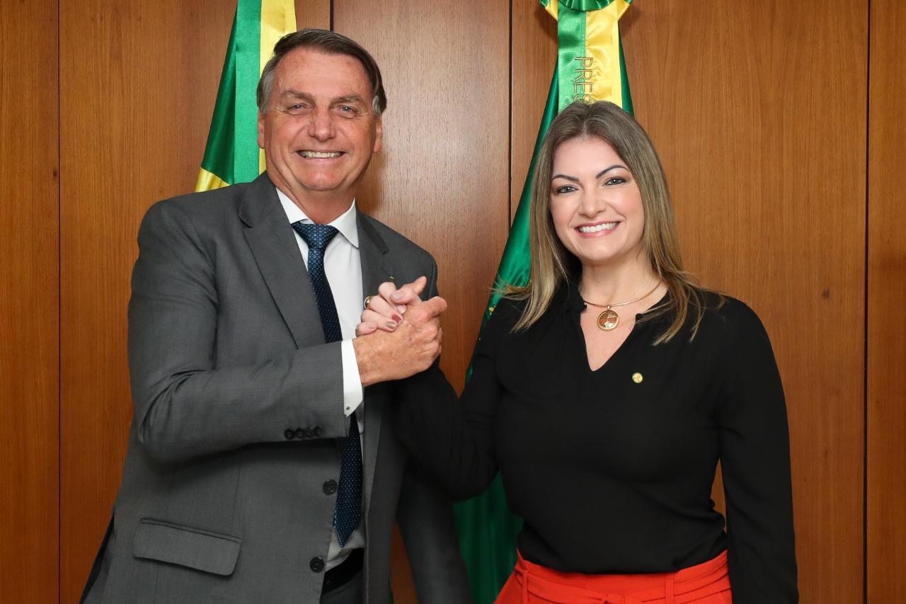 Deputada Aline Sleutjes confirma adiamento da visita do presidente Jair Bolsonaro nos Campos Gerais