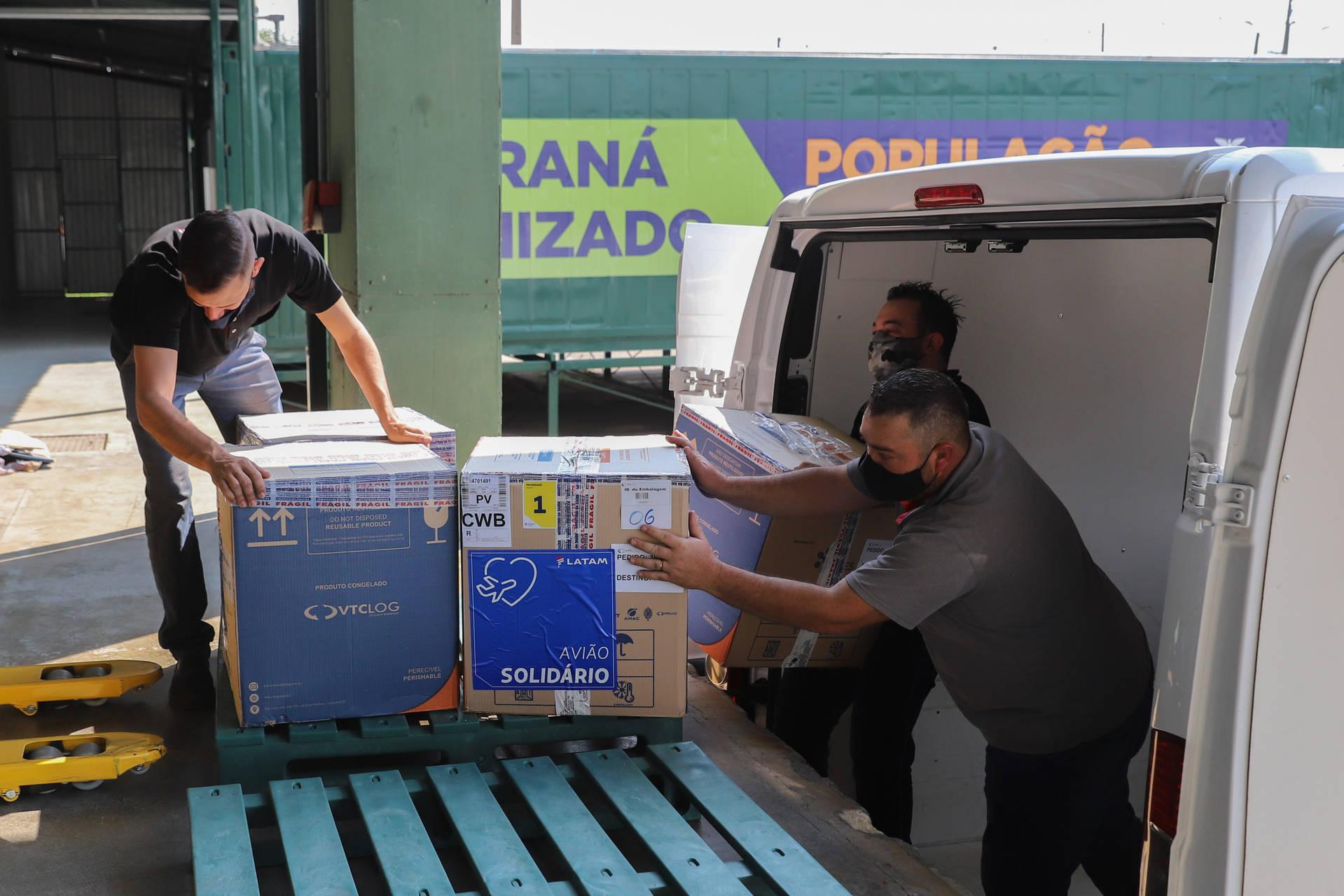 Novos lotes de vacina contra Covid-19 chegaram ao Paraná nesta quarta-feira