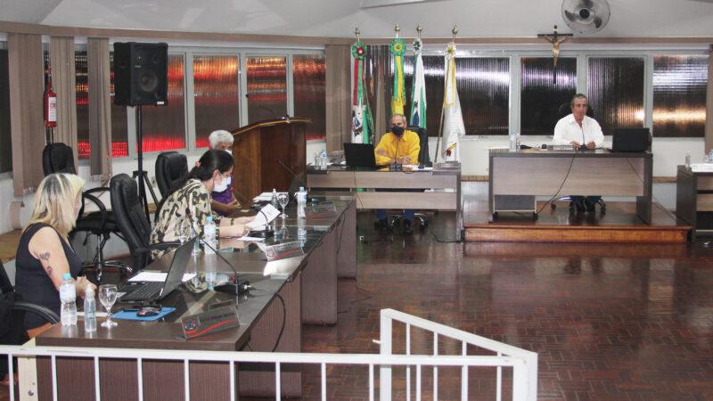 Aline e Bolsonaro recebem indicações
