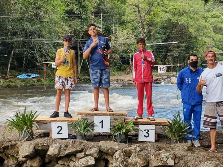 Tibagianos conquistam 15 medalhas em etapa do Campeonato Brasileiro de Canoagem