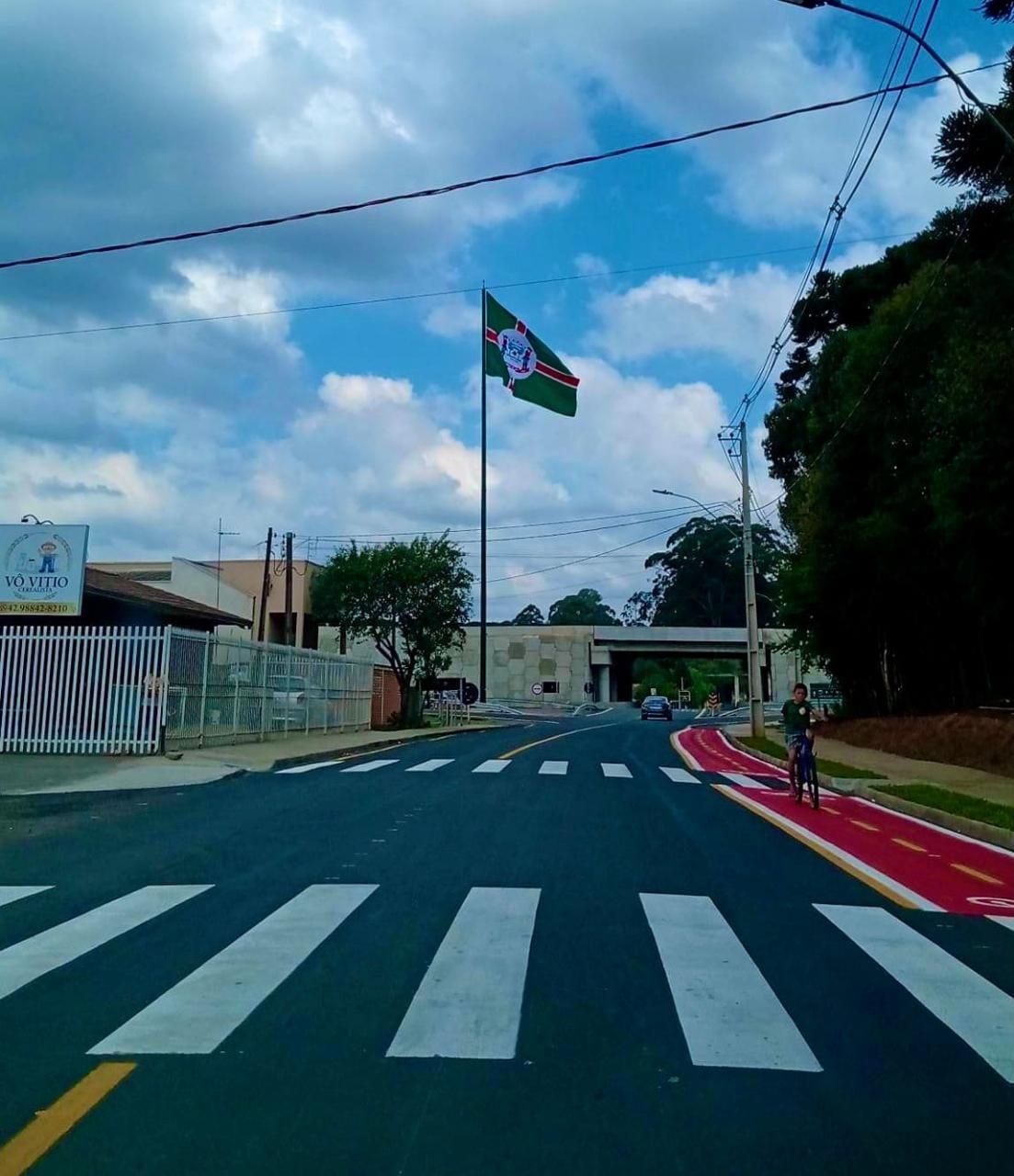 Entrada de Piraí do Sul ganha bandeira de 10 metros de largura